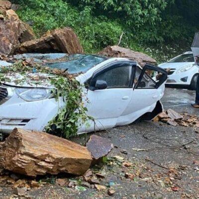 हिमाचल : भूस्खलन में कई गाड़ियां दबी, शिमला में सड़कें बंद और पानी सप्लाई प्रभावित