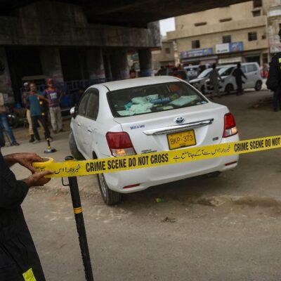 पाकिस्तान: कराची में चीनी नागरिक की गाड़ी पर ताबड़तोड़ फायरिंग